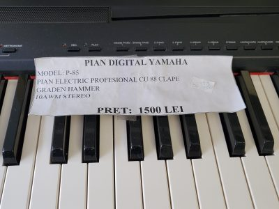 Pian digital Yamaha P-85